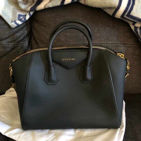 df9f5bad67 Givenchy Handbags - Beautiful Givenchy Antigona bag mint condition!